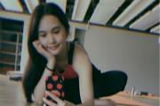 杨丞琳晒健身照马甲线清晰 对镜甜笑自拍