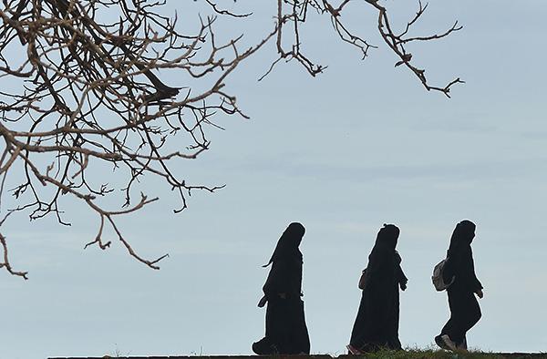 斯里兰卡总统下令禁止穿戴所有形式的罩袍和面纱