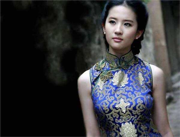 这些女明星颜值高,身材好,穿上旗袍犹如锦上添花,精致又高级