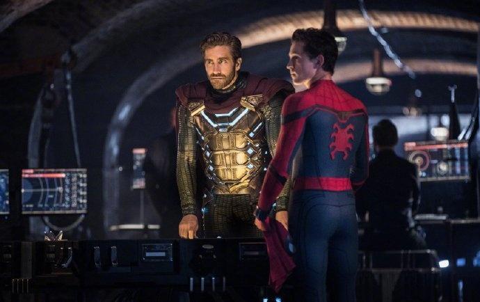 《蜘蛛侠2》新剧照 小蜘蛛神秘客关系成迷