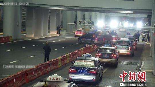 """出具废发票且多收费 上海查处侵害乘客权益的""""浆糊""""车"""