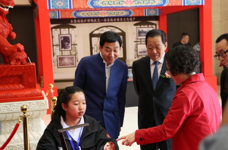 """一日看遍""""燕京八绝"""":北京非物质文化遗产汇报展览开幕"""