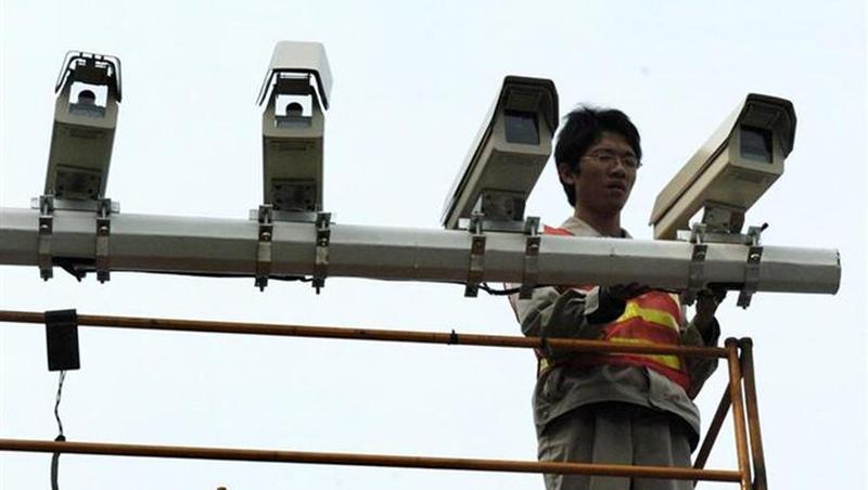 """上海建成300余套多合一功能""""电子警察"""""""