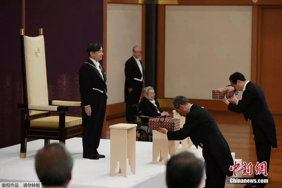 日本新天?#22987;?#20301;,民众对令和时代最大的期待是什么?和平!