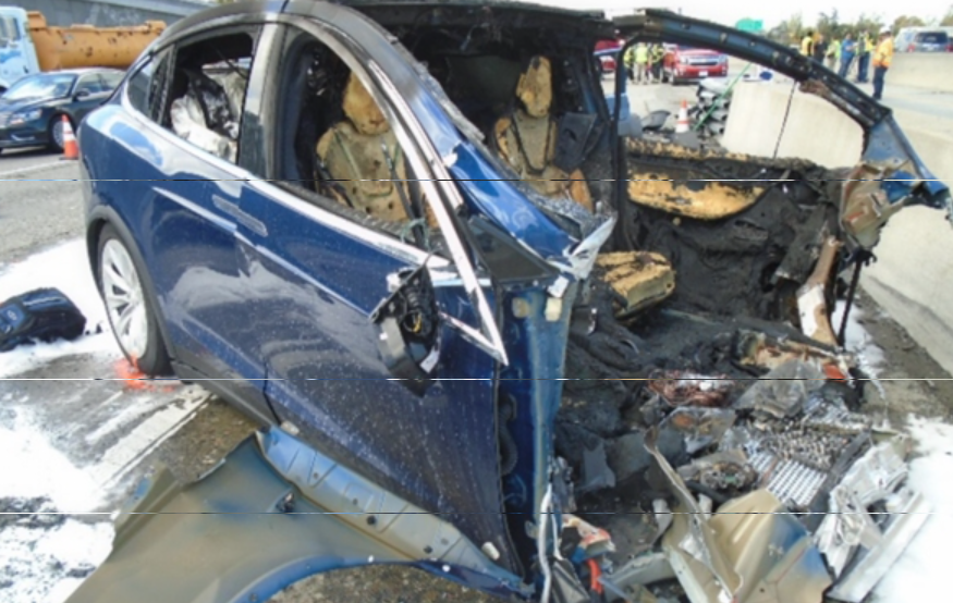 特斯拉自动驾驶严重车祸撞死司机:家属提告