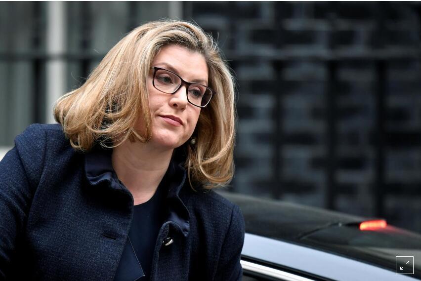 英国任命首位女性国防部长,此前她因泄露华为机密而被解雇