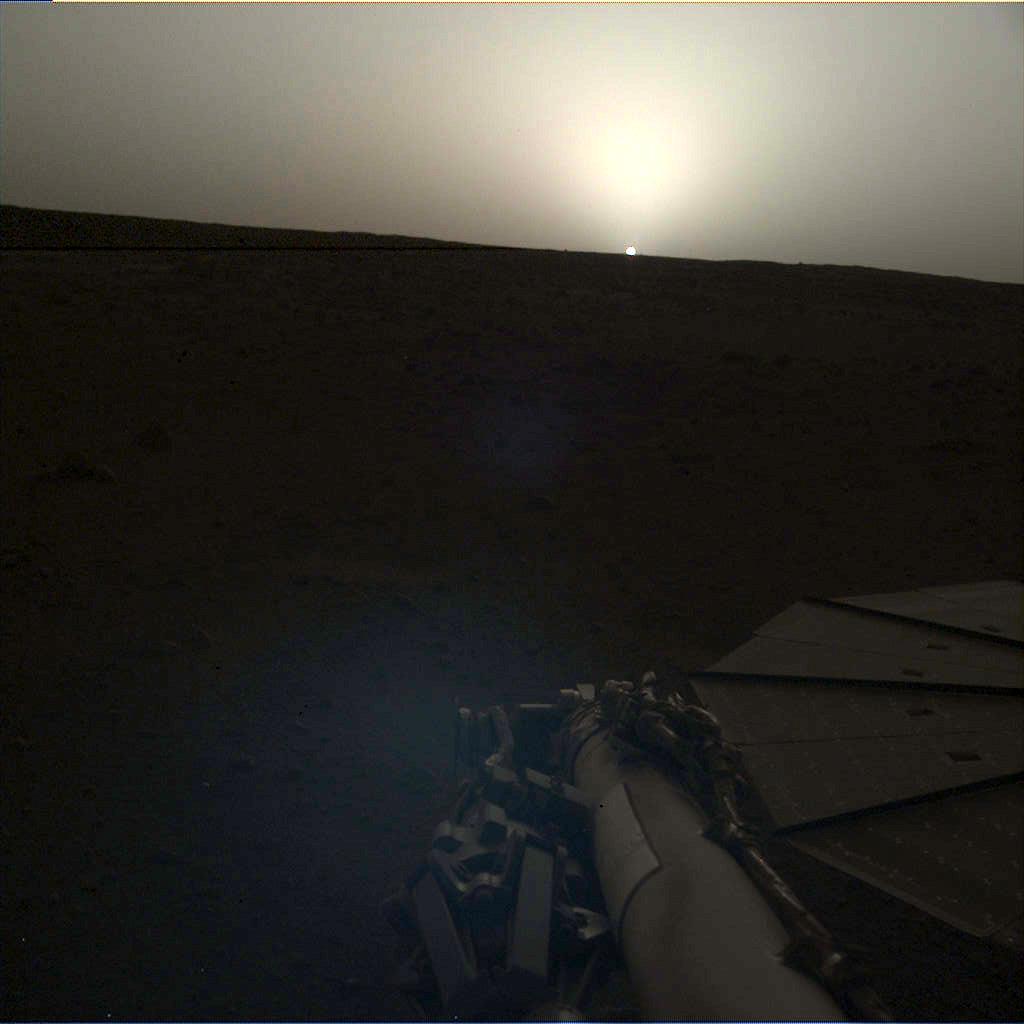 震惊! 美国宇航局宣布火星日出和日落光只有地球的三分之二大