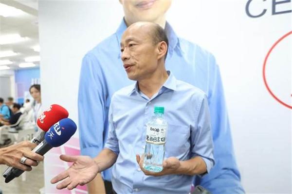 韩国瑜无人能敌?两亲绿民调出炉释放同一信息