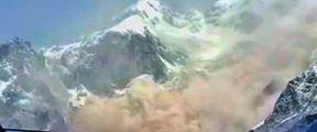 云南玉龙雪山疑似山体崩塌