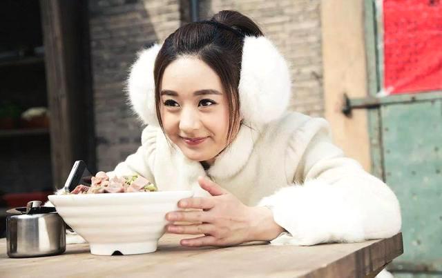 盘点吃货明星:杨紫上榜,赵丽颖不放过道具,而她因太能吃圈粉