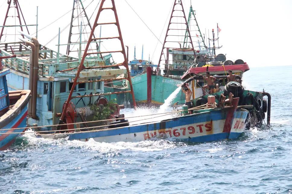 """印尼越南南海摩擦后 印尼""""击沉""""38艘越南船只"""