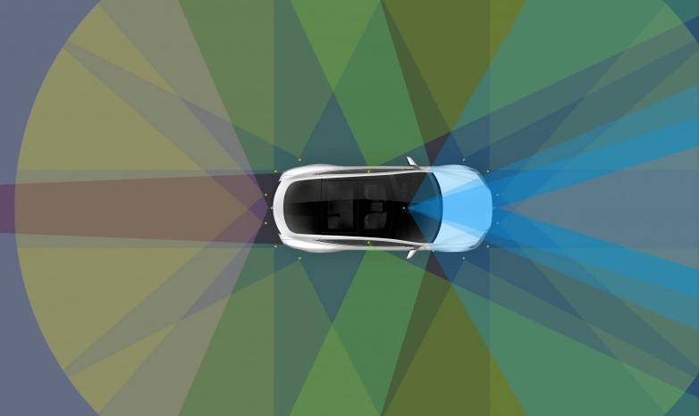 特斯拉推出新转向辅助功能 防止车辆偏离车道