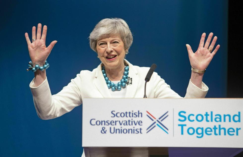 两党均遭选民惩罚 梅姨紧急喊话反对党:同意脱欧协议吧