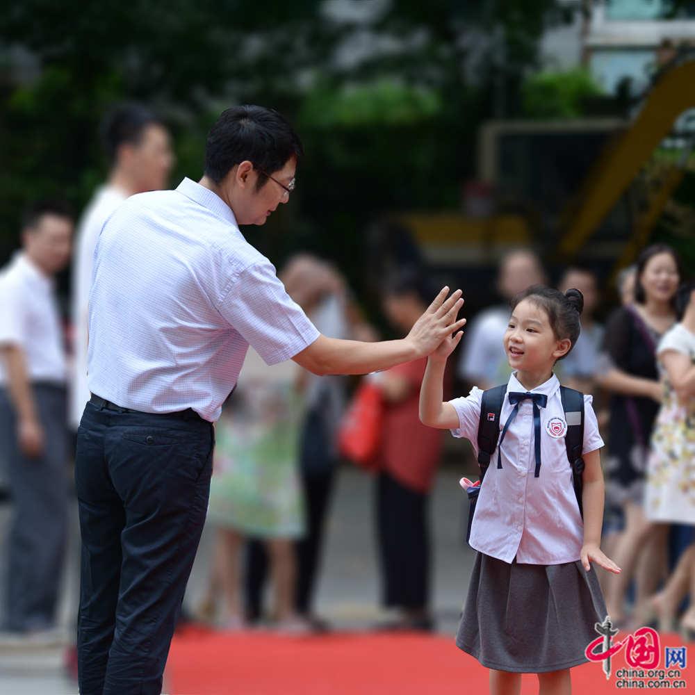 深圳小学校长第一线从教16年:教育必须要有坚守