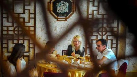 美媒:中餐在美百年发展史 从杂碎到佳肴