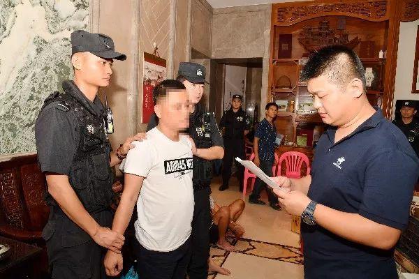 海南警方再灭村霸团伙要MR2娱乐!涉黑村支书生活穷奢极
