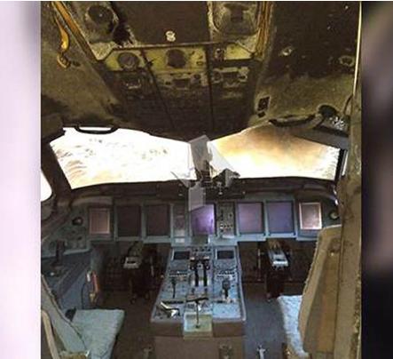 驾驶室烧变型!俄航起火客机内部图首曝光(图)