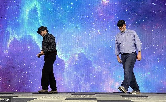 微软2019 Build开发者大会开幕 HoloLens 2现故障