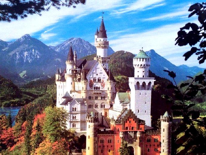 新天鹅堡:路德维希的童话世界 迪士尼睡美人城堡原型