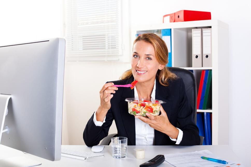 愉快心情吃出来!英国研究发现饮食均衡有利于缓解抑郁