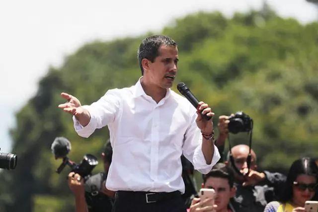 政变失败后 瓜伊多称正考虑要求美国军事介入