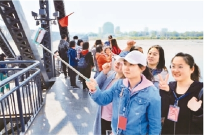 高铁带热旅游圈