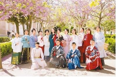留學海外 學子通過加入學校社團融入海外生活