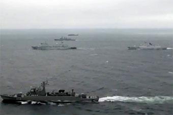 惡劣海況下中泰軍艦協同配合完成演習內容