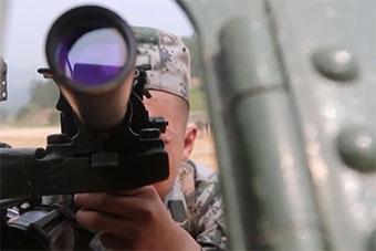 牽引式榴彈炮直瞄打擊近距離目標一樣精準