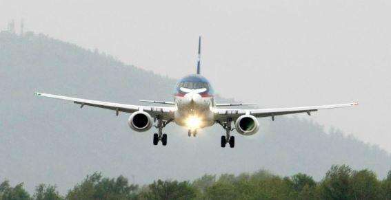 心理阴影!俄乘客坚称SSJ-100客机有糊味 拒乘机