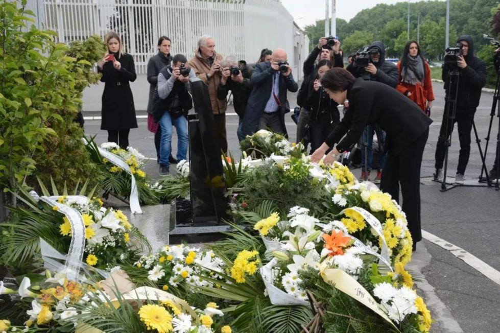 我国驻南联盟使馆遭遇轰炸20周年纪念活动举行