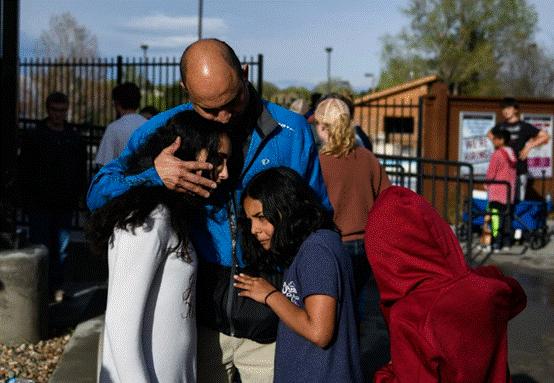 """美媒:科罗拉多州校园枪击案与哥伦拜恩枪击案有""""罕见""""联系"""