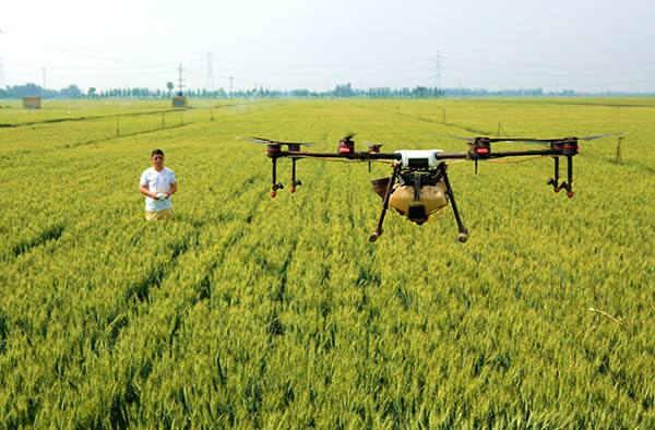农业植保无人机驾驶员真的月入10万?