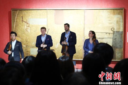 """博物院""""遇见""""音乐会:南京市民感受""""颠覆性""""观展方式"""