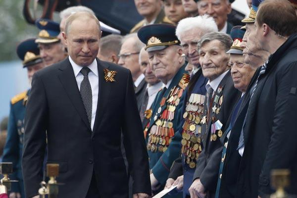 俄罗斯胜利日阅兵:普京、戈尔巴乔夫等出席