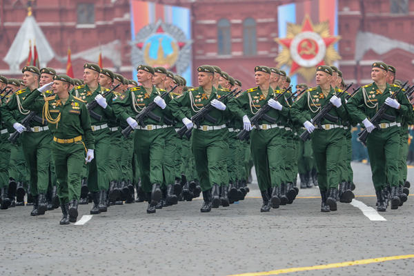 俄罗斯举行红场阅兵 纪念卫国战争胜利74周年