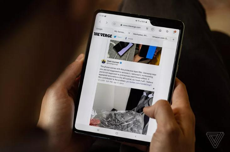 """三星:折叠手机Galaxy Fold发布""""不会太晚"""""""