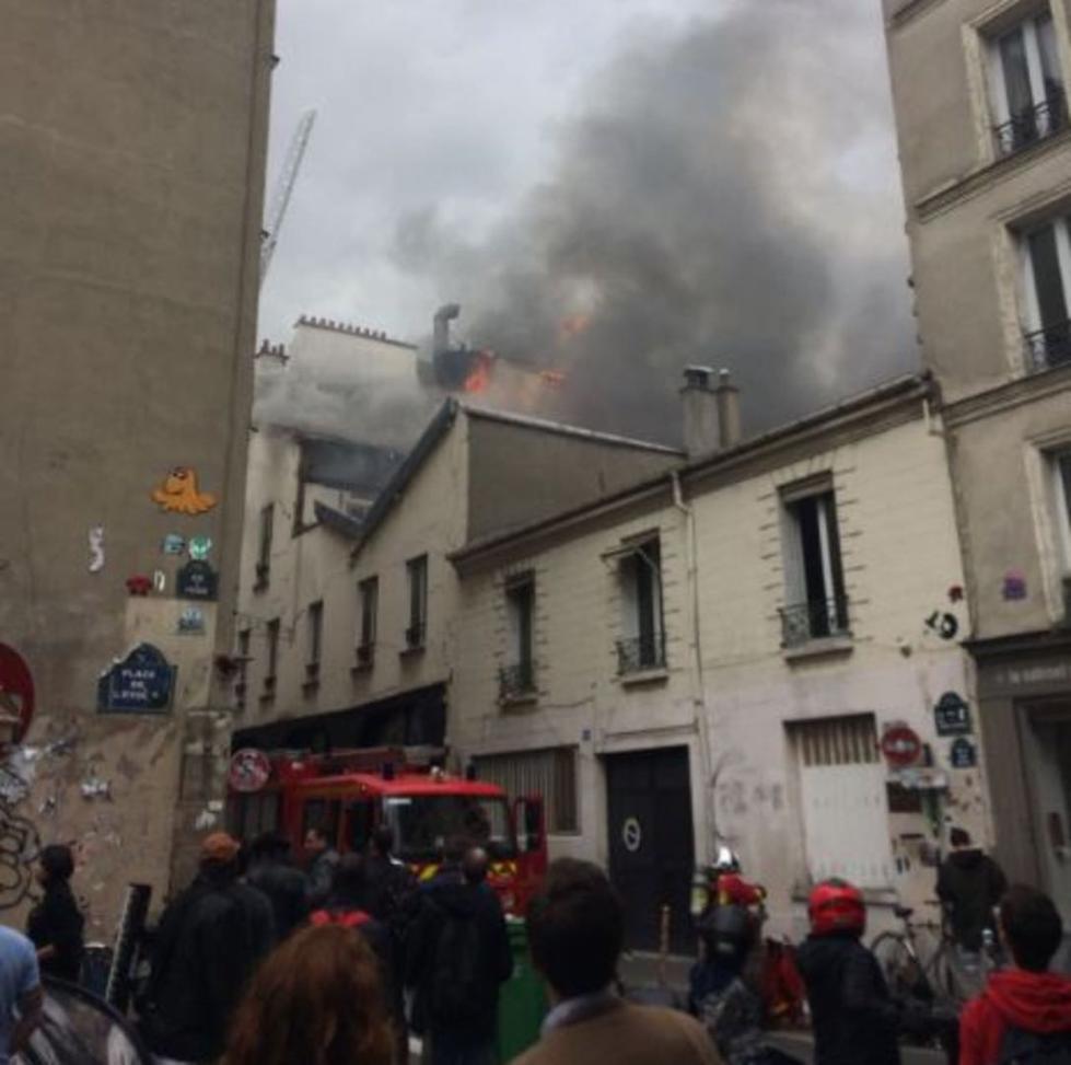 巴黎再发生火灾:两所公寓烧成废墟 居民紧急疏散