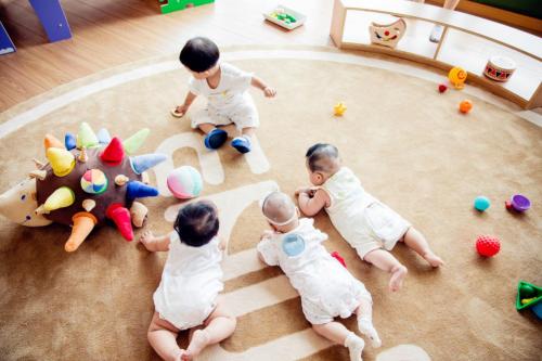 新生代父母早教需求激增 近七成家长倾向专业建议