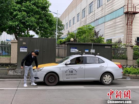 广西柳州施行驾考新规 考生报名数跌8成