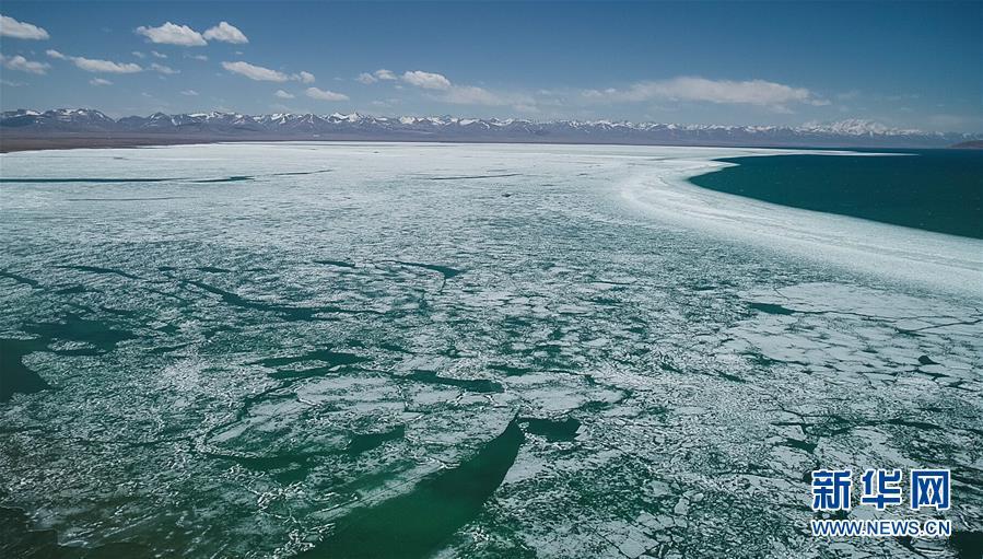 西藏:纳木错开湖