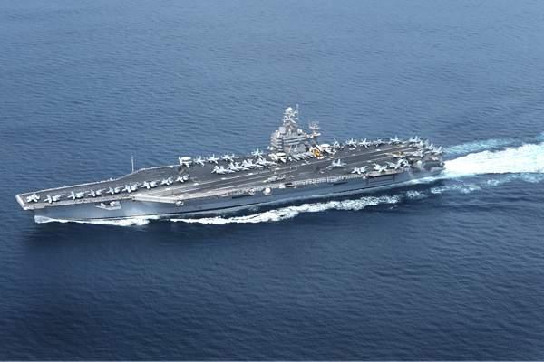 """美航母""""林肯""""号通过苏伊士运河 伊朗称这是美国的心理战"""