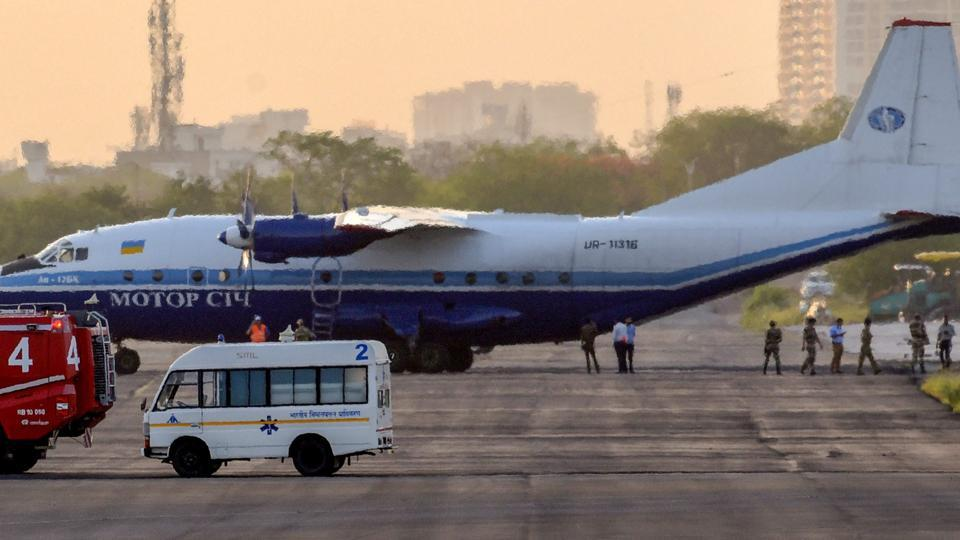 印军苏30拦截一架从巴基斯坦入境军用运输机
