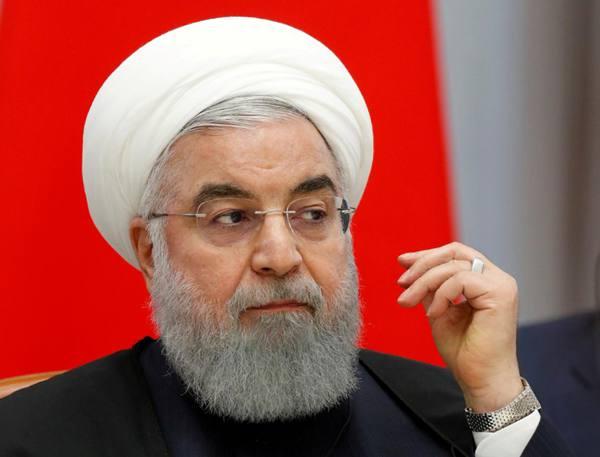 """伊朗总统鲁哈尼号召国内团结 应对美国""""前所未有""""的压力"""