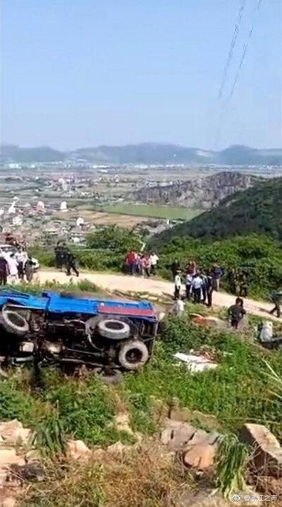 温岭通报农用车侧翻致12死11伤事故:相关人员已依法控制