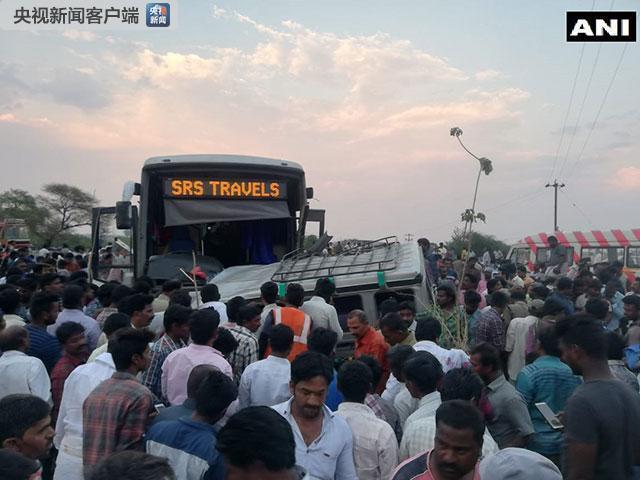 印度东南部发生两车相撞事故 致13人遇难