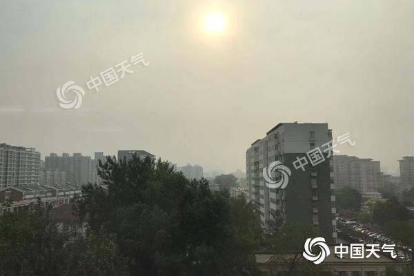 北京今天雷阵雨大风扰出行 下周热意足最高温或达32℃