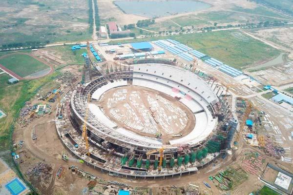 中国援建柬埔寨国家体育场主体结构封顶