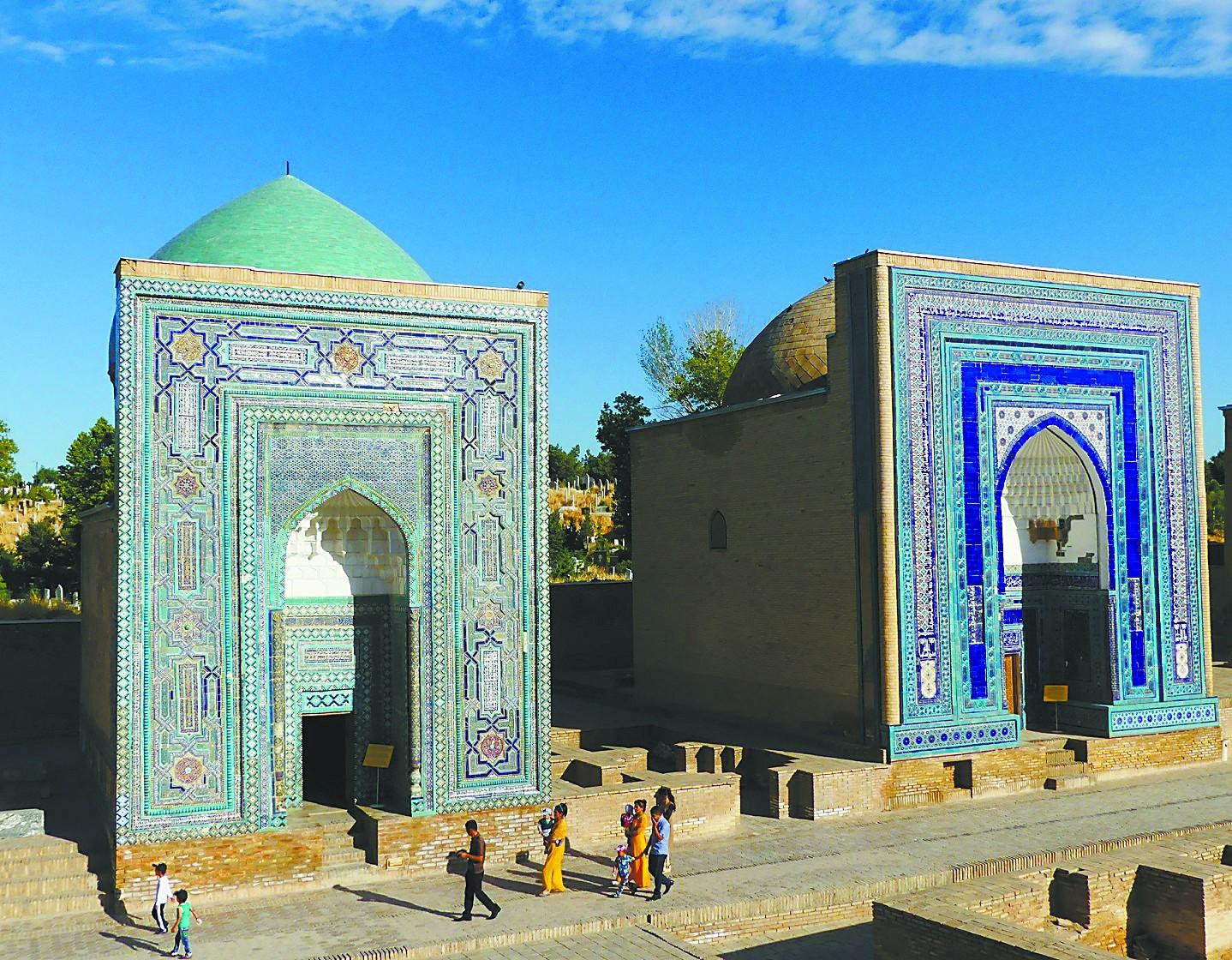 夏伊辛达,蓝色瓷砖拼出的中亚最美