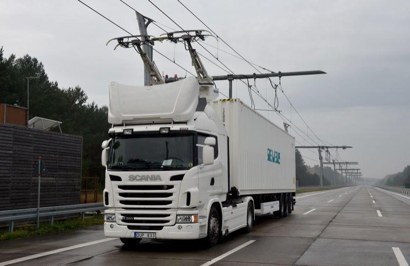 德国首个卡车电气化高速公路投入测试